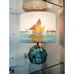 Ovale 30 bateau de peche + pied boule en verre bleue